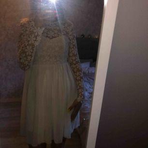 Jättefin klänning köpt på dennismaglic🤩