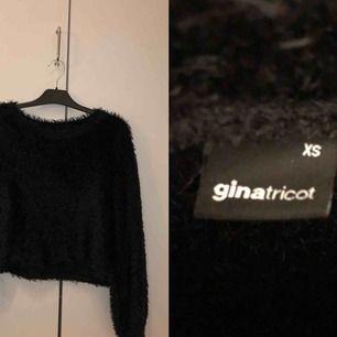 Svart sweatshirt/tröja från Gina  Nyskick Endast använd ett fåtal par gånger