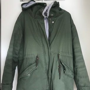 Green winter jacket, almost new