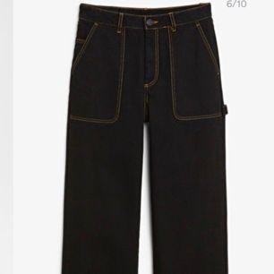 Rio Jeans från Monki! Säljes pga för stor storlek. Inköpspris: 400kr Möts i GBG eller fraktas mot betalning.