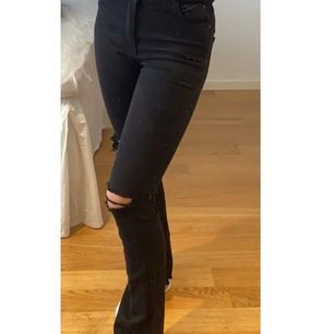 skit snygga jeans ifrån Gina tricot, sitter skit bra och är sköna! Nypris: 399