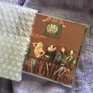 En helt ny a fever you can't sweat out CD från EMP! köpt för 119 kronor så säljer den för 100 inklusive frakt