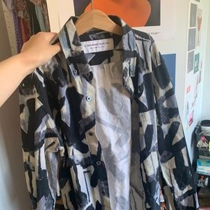 Skjorta från l'homme rouge storlek 48/m. Fint skick!