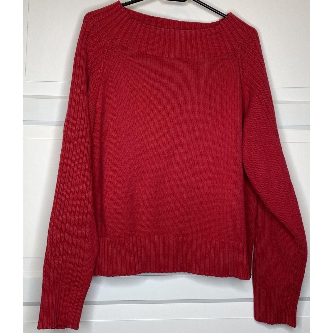 """superfin röd långärmad tröja! kan bäras off-shoulder eller """"vanligt"""". Är tjock & varm, så blir en riktig favvis på höst & vinter! {Köpare står för frakt eller hämtar i Upplands Väsby!}. Stickat."""