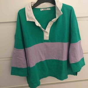 Säljer tyvärr denna snygga croppade polo t-shirten pga den inte används ofta 😢