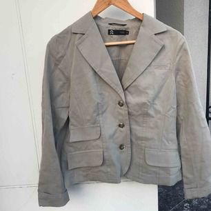 Snygg mjukare grön/grå, blazer:)