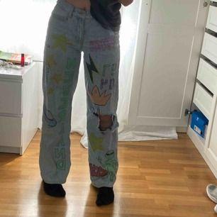Wide Leg jeans från Junkyard som jag gjort om själv✨ köparen står för frakt! ❗️BUDA❗️