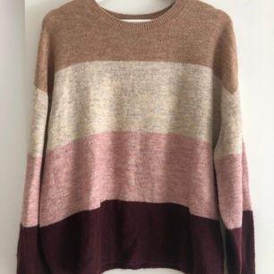 Fin stickad tröja från H&M (köpare står för frakt & betalning via Swish)💘