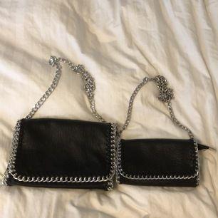 ‼️ den stora (storlek M) = SÅLD ‼️ säljer den lilla väskan för 150kr (kan gå ner i pris vid snabbt köp), köpt för 450kr och aldrig använd 😊❤️