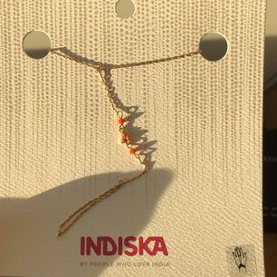 Fin accessoar från Indiska, har 5 st till! Passar verkligen fint till sommaren och som en fin present! Säljer de för 25kr styck (original priset är 130kr)