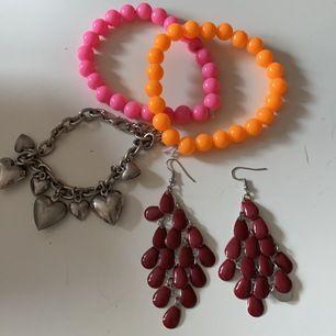 Lite olika smycken! Hör av dig om du är intresserad💓 20kr/st