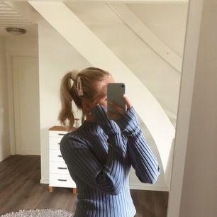 En fin pastell blå polo tröja från weekday, använd fåtal gånger! 🦋🦋 +frakt