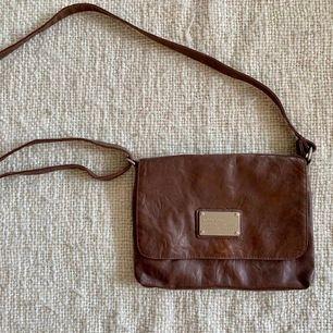 Björn Borg handväska i brunt skin, väldigt bra skick!
