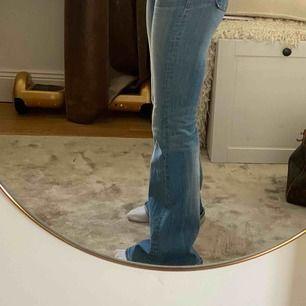 As najs lågmidjade jeans från crocker. Sitter suuper bra och väldigt sköna! ⚡️👾