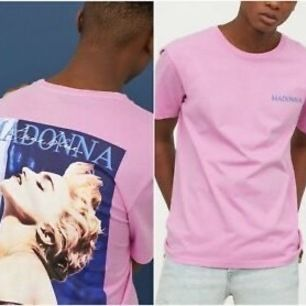 Säljer min rosa Madonna t-shirt i väldigt fint skick 💘 BUDA, eftersom att så många är intresserade! Ledande bud står ovan⚡️