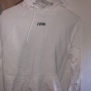 Vit hoodie från märket stay❤️