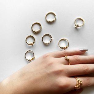 9 stycken guldfärgade ringar (inte rostat) 💓