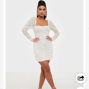 Fin klänning från nelly varumärke:missguided, säljer pga för liten!