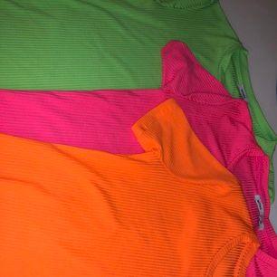 Coola neon t-shirts. 30kr styck. Pris kan diskuteras kom med egna förslag