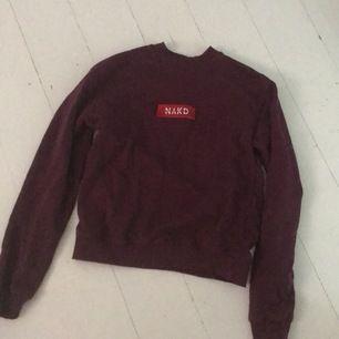 En fin tröja från NA-KD men den kommer aldrig till användning:/