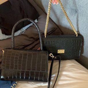 Väskor från NA-KD! Väska 1 är helt oanvänd & väska två använd en gång! 150kr st + frakt! 💋väska 1 SÅLD💋