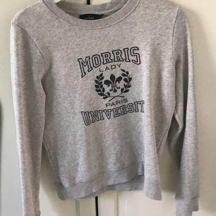 Snygg Morris tröja men säljer den pågrund av att den sällan kommer till användning. (Fler som är intresserade kan leda till budgivning)