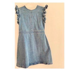 Denim klänning ifrån Urban Bliss, i storlek 36 🦋 Superfin men aldrig kommit till användning ✨ Frakten står köparen för                                    200 kr eller bud ⚡️