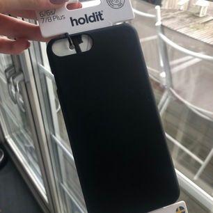 Säljer mitt oanvända holdit skal som passar iPhone 6/6s/7/8 plus då jag råkat beställa två likadana!