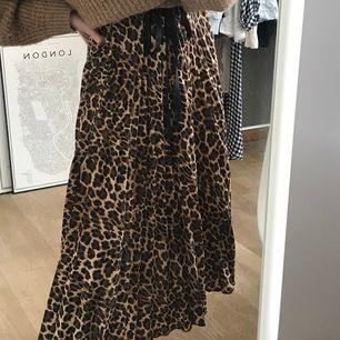 Trendig passerad leopardkjol från HM 🐆💘