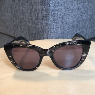 Kenzo sunglasses, perfect conditions. Shipping included