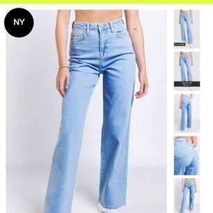 Säljer dessa populära jeans från mad Lady, storlek 40. Tyvärr för små för mig.  Köparen betalar för frakten.