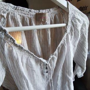 beige vit randig blus med halvlånga armar vintage      🚙fri frakt