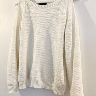 Superfin vit, tunnare tröja från Boohoo i storlek Small!