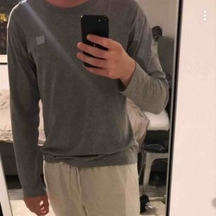 långärmad tshirt från Acne Studios. Unisex. Inköpt för 1 300kr, väldigt bra skick🌟🌟