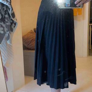 Svart kjol!!