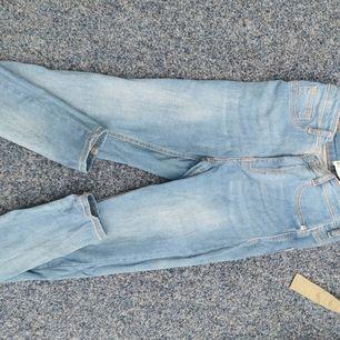 Helt vanliga blåa jeans storlek M, nyskick.