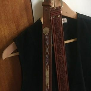 Retro skärp i brunt läder. Strl M
