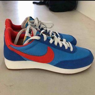 Helt nya och helt oanvända retro Nike skor.