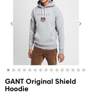 """Säljer denna gant hoddien(orginell pris 1100kr).           Den är köpt från """"killavdelningen"""" men funkar för båda att använda.Kan sänka priset vid snabb affär❤️"""