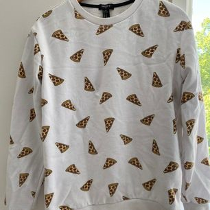 Pizzatröja från Forever 21. Frakt 66kr🥰