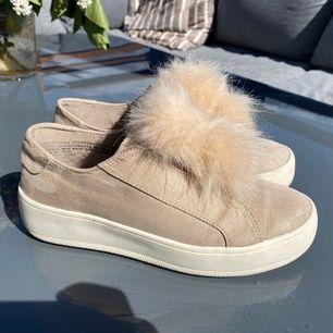 Superfina skor, knappt använda. Storlek 7 som motsvarar 38. 400 kr eller bud
