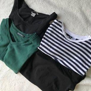 Svart basic tröja med urringning från hm. Blårandig tröja från hm med tryck på ärmarna (se bild).Mörkgrön tröja från brandy Melville med V ringning. Svart off shoulder tröja från hm (se bild) Köp alla för 150 eller en för 50! Frakt tillkommer📦
