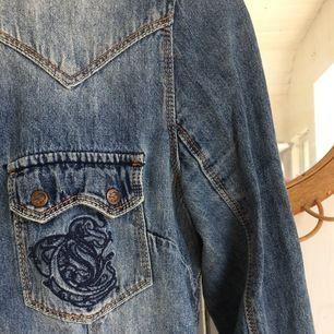 Vintage jeansskjorta med detaljer