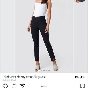 Säljer pågrund utav att jag inte använder dom då dom är för små för mig.  Annars Otroligt snygga byxor och sitter väldigt bra.