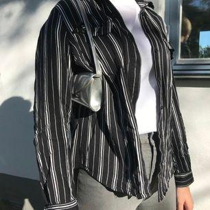 Så snygg skjorta! Säljer då den tyvär ej kommer till användning💖💖 145 kr och frakt ingår!