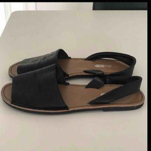 Sandaler från din sko i fina skick, (lånad bild) köparen står för frakt