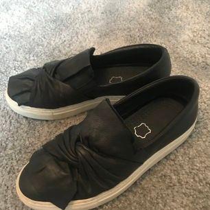 superfina skor nu till sommaren, köpta på insta och aldrig använda av mig😆😆hör av dig om något mer🙌🏽🙌🏽