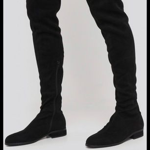 Svarta overknee boots, stl 39! Köpare står för frakt!