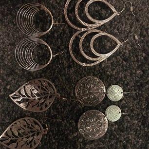 Coola statements örhängen! Tvättas självklart innan de säljs!! Säljs 40kr/par (per hela örhängen) frakt tillkommer