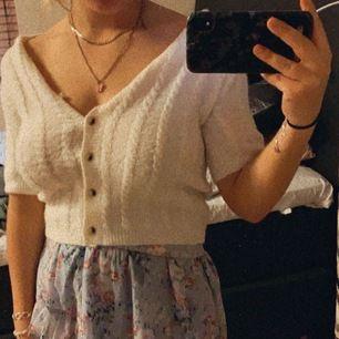 Säljer denna tröja från asos, aldrig använd